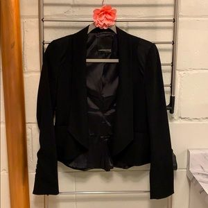 ❤️ Beautiful slim fitted open front blazer